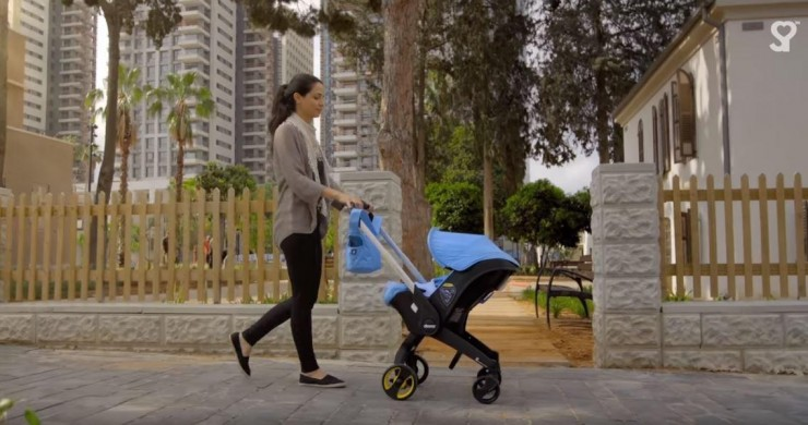 simple-parenting-doona-car-seat-walking.JPG